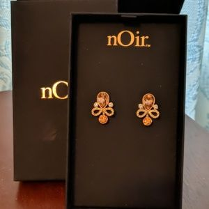 NIB Noir Amber, Gold, and Crystal Earrings